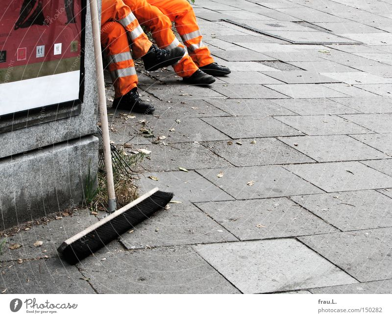Pause Mann Erholung Arbeit & Erwerbstätigkeit Arbeiter Reinigen Kehren Strassenfeger Öffentlicher Dienst