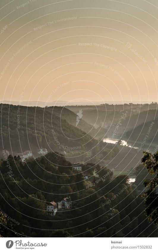 Abendstimmung am Fluß Natur Ferien & Urlaub & Reisen grün Sommer Wasser Baum Landschaft ruhig Haus Ferne Wald Berge u. Gebirge Umwelt Freiheit Idylle Schönes Wetter