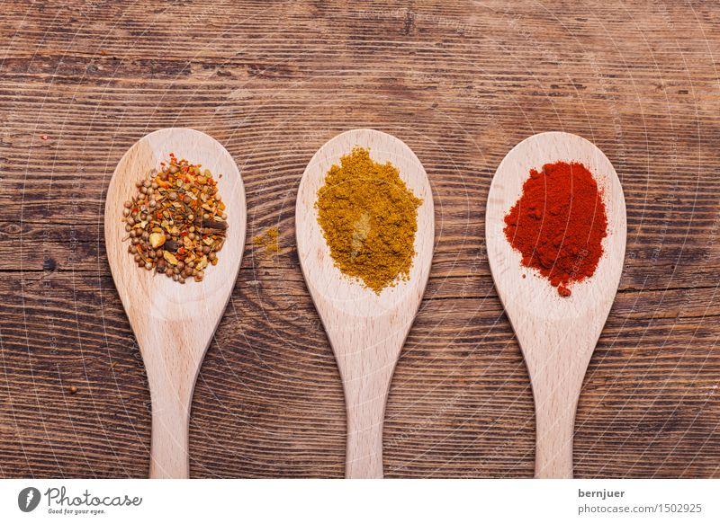 Gewürz Lebensmittel Kräuter & Gewürze Bioprodukte Vegetarische Ernährung Diät Asiatische Küche Billig braun gelb rot Ehrlichkeit Löffel Kochlöffel Paprika Curry