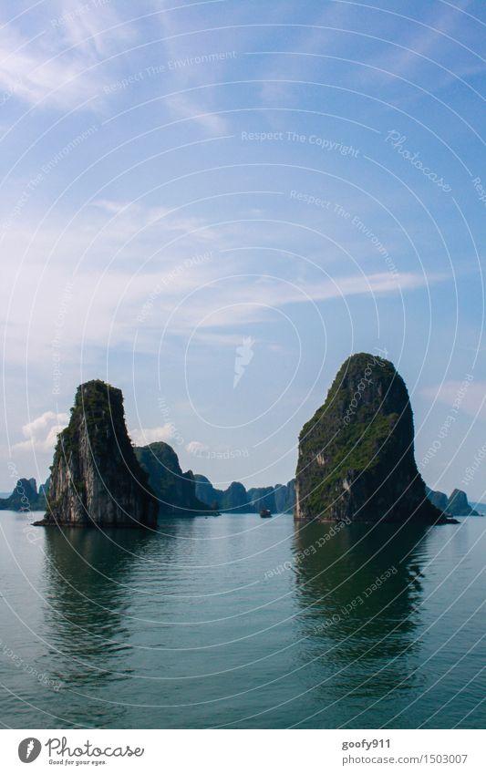 HALONG BAY (Vietnam) Himmel Natur Ferien & Urlaub & Reisen blau grün Sommer Wasser Sonne Meer Landschaft Ferne Berge u. Gebirge Frühling grau Freiheit träumen