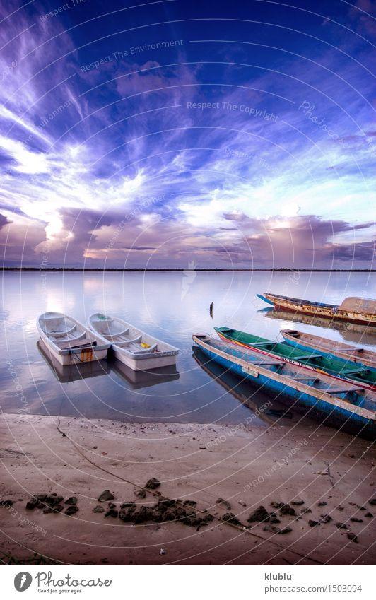 Bild von senegalesischen Booten gefangen genommen in Senegal Meer Sand Himmel See Fluss Ruderboot Wasserfahrzeug Segel Gefühle tropisch Reihe Rettungsboot Kanu