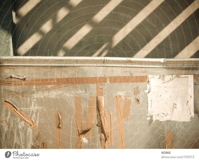 streif Wand Metall Beton Metallwaren Streifen verfallen obskur Plakat verwittert Rest kleben Klebeband