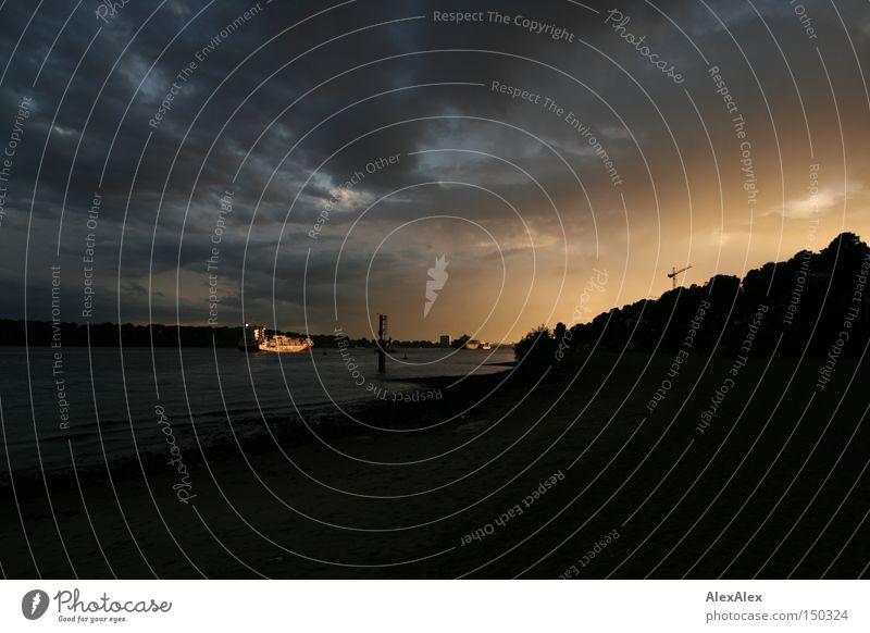 ohne Anna Himmel Wolken Bach Fluss Containerschiff Wasserfahrzeug rot Hamburg Elbe Sonnenuntergang Elbstrand Abend