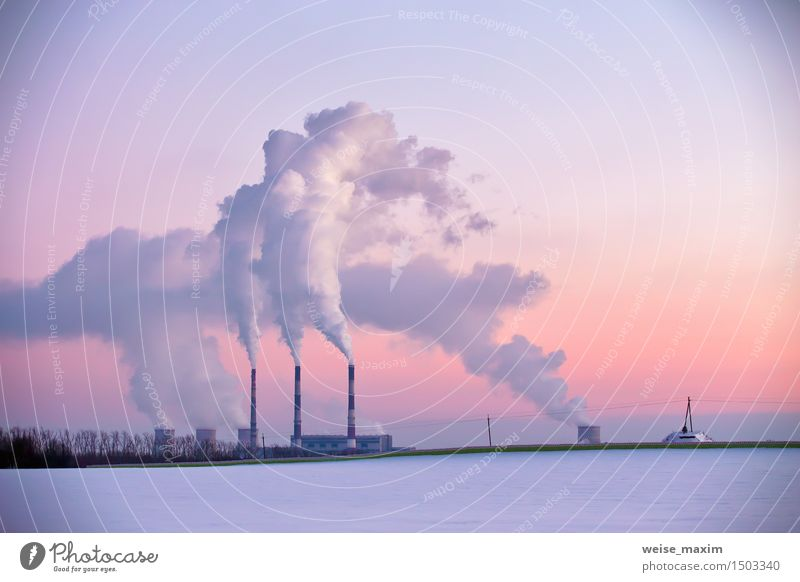 Kraftwerk am Abend Himmel Stadt Pflanze blau weiß rot Landschaft Winter Wald gelb Wiese Schnee Gebäude Feld Energiewirtschaft Aussicht