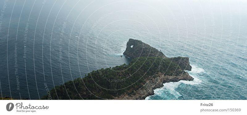 sa Foradada Wasser Meer grün Berge u. Gebirge Kunst Aussicht Loch Mallorca Sehenswürdigkeit Landzunge