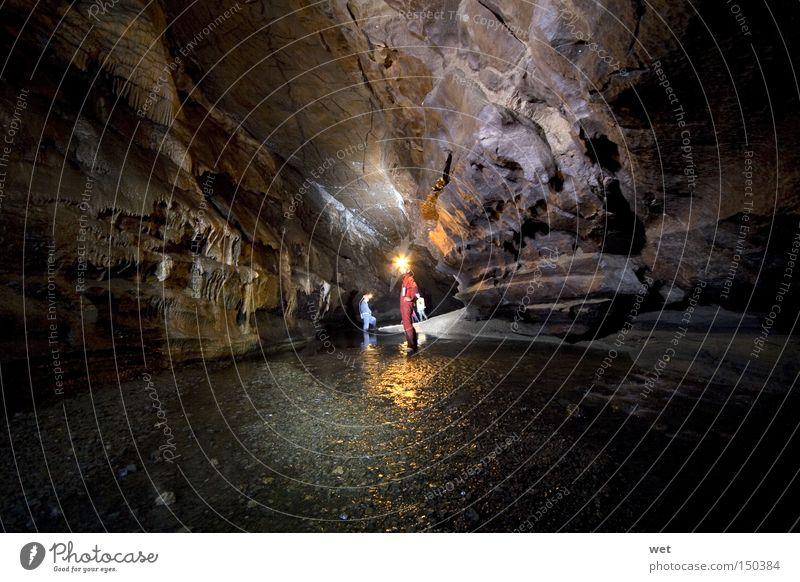Wasser dunkel Berge u. Gebirge Golfplatz Konzentration Kristallstrukturen Höhle Golfloch Extremsport Neandertaler