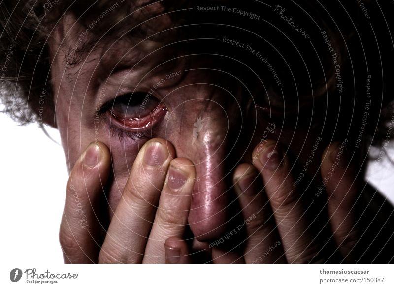Na wass hat er denn...? Selbstportrait Porträt dunkel Gesicht Haut Nase Hand Mund Auge Finger Haare & Frisuren dreckig hässlich elend Trauer Verzweiflung