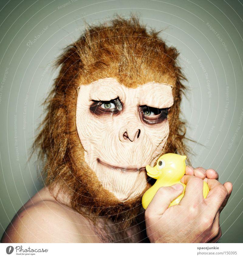 Hässliches Entlein Bad Spiegel Spiegelbild Morgen Entsetzen Affen Tier Badeente Freude ungeschminkt Affengesicht Maske Ente Karneval