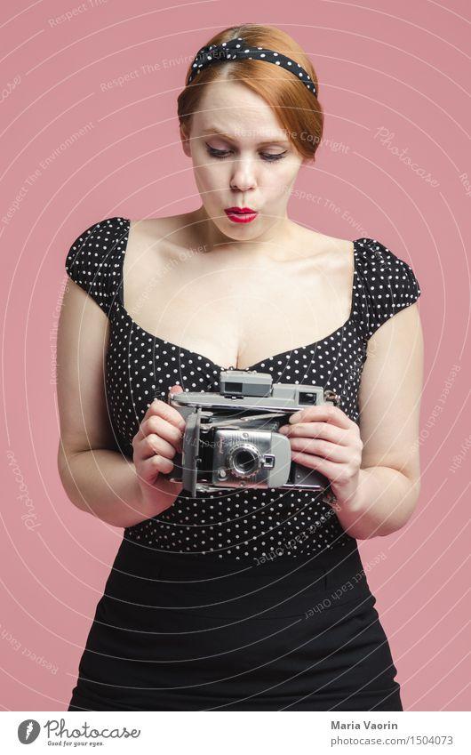 50s Lifestyle Stil Mensch feminin Junge Frau Jugendliche 1 18-30 Jahre Erwachsene Mode rothaarig langhaarig gebrauchen schön niedlich retro Klischee