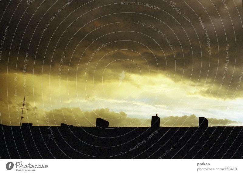 Feierabend Natur schön Himmel Sonne Wolken dunkel Angst gefährlich Dach bedrohlich Sturm Gewitter Unwetter Respekt Panik