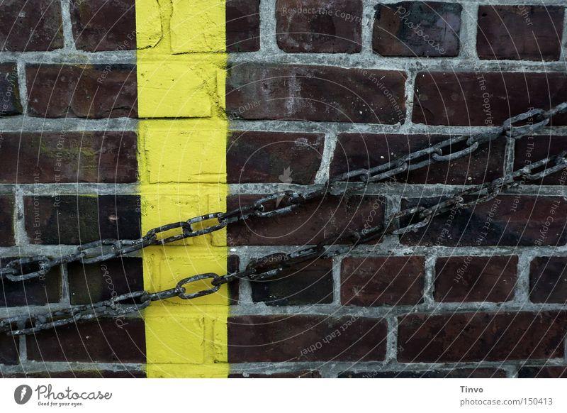 Independent Mauer Schilder & Markierungen Backstein Kette gefangen Haftstrafe gefesselt Warnfarbe