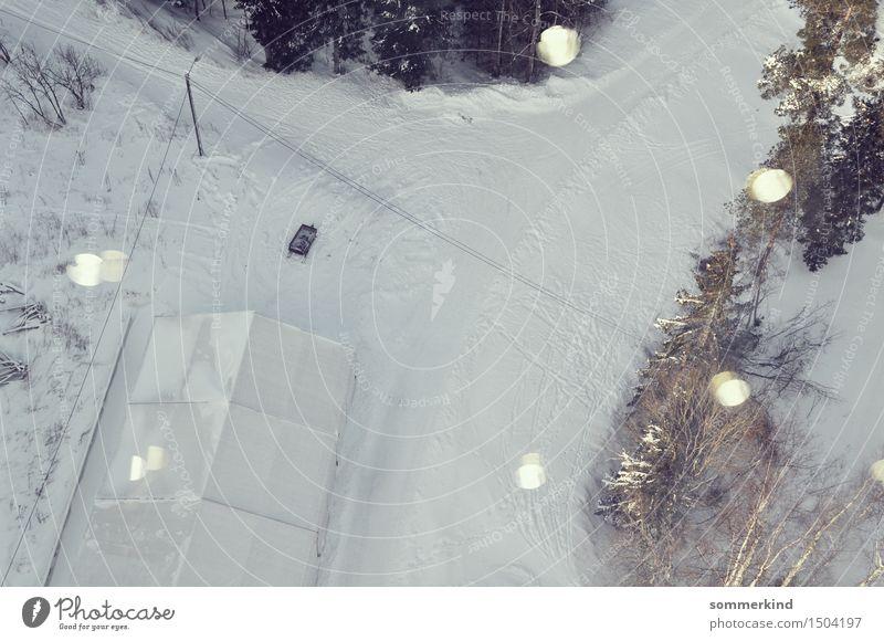Sankt Ansicht Natur Winter Schönes Wetter Eis Frost Schnee Schneefall Baum Wald Bauwerk Gewächshaus Straße Straßenkreuzung Wegkreuzung Fahrzeug grün silber weiß