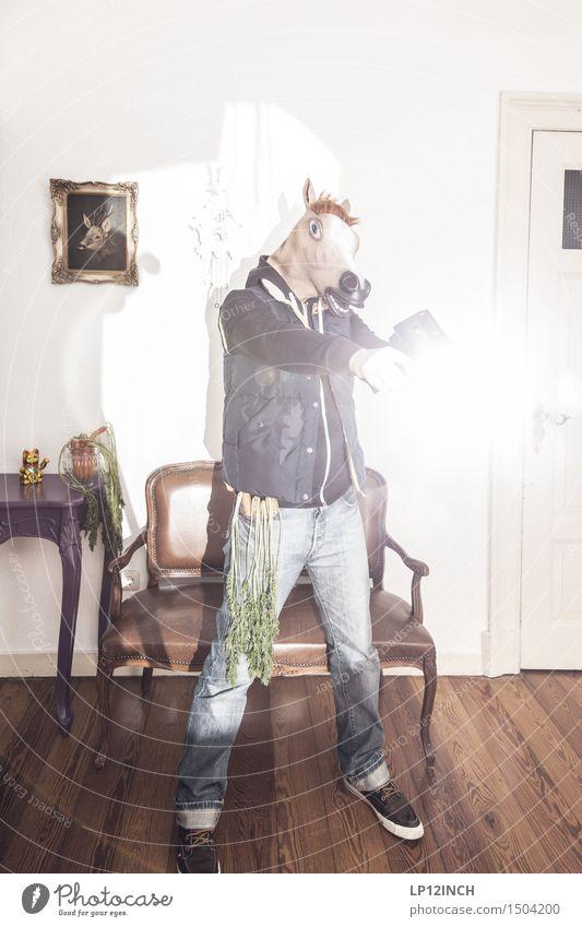 LP.HORSEMAN. I Mensch Jugendliche Mann Junger Mann Tier Freude 18-30 Jahre Erwachsene lustig Feste & Feiern Mode Wohnung maskulin Häusliches Leben gefährlich