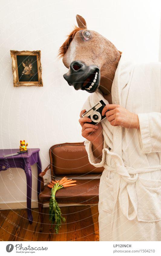 LP.HORSEMAN. II Mensch Stadt Tier Erwachsene lustig Party Wohnung maskulin Häusliches Leben Angst verrückt Bekleidung retro Pferd Fotokamera Maske