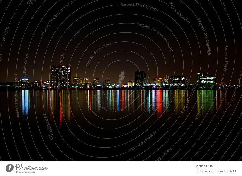 Oakland Straße groß Hochhaus Nachtaufnahme Kalifornien Farbenspiel