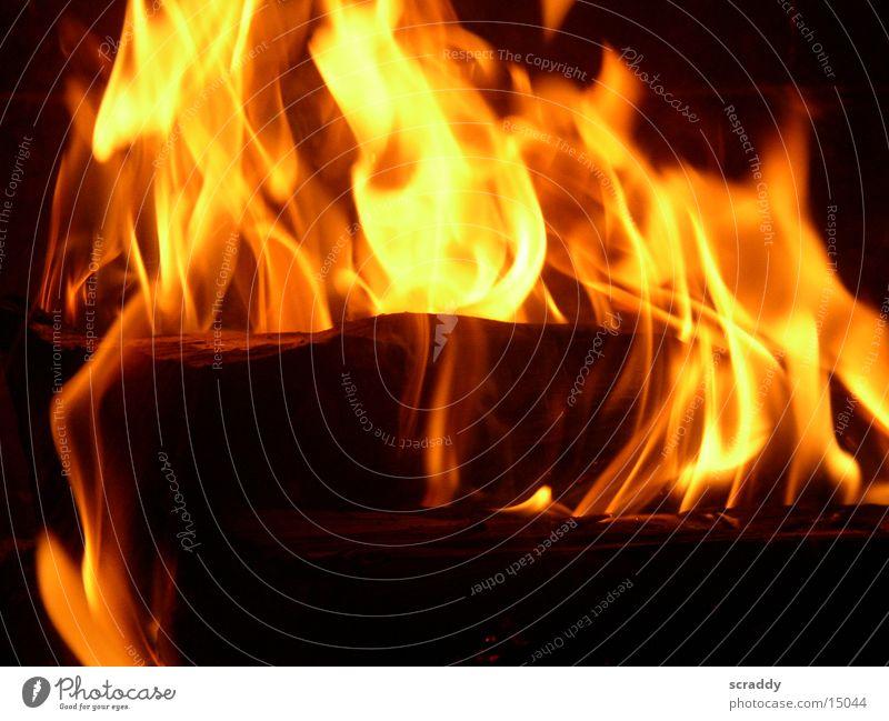 Feuer Holz Brennholz gelb rot Wissenschaften Brand Flamme orange