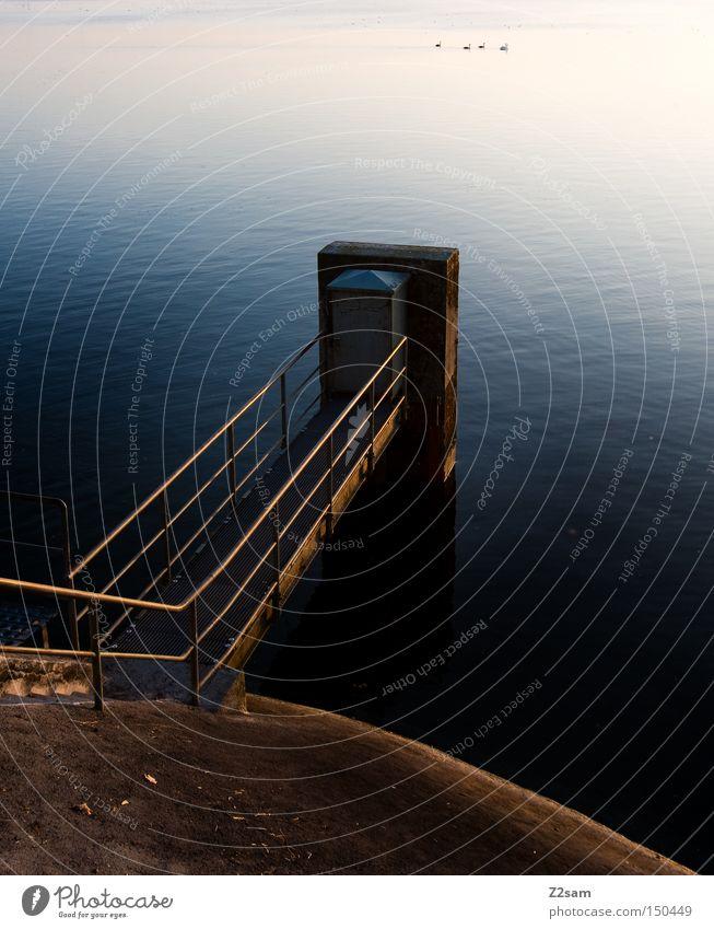 chillout platzl Natur Wasser blau rot Sommer ruhig Einsamkeit Erholung Stein Wege & Pfade Landschaft Industriefotografie Geländer