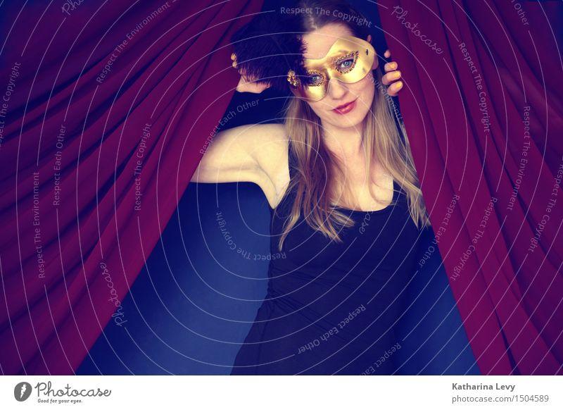 Carneval Mensch Frau Jugendliche schön Erotik rot 18-30 Jahre Erwachsene Wärme feminin außergewöhnlich Feste & Feiern Mode Party leuchten gold