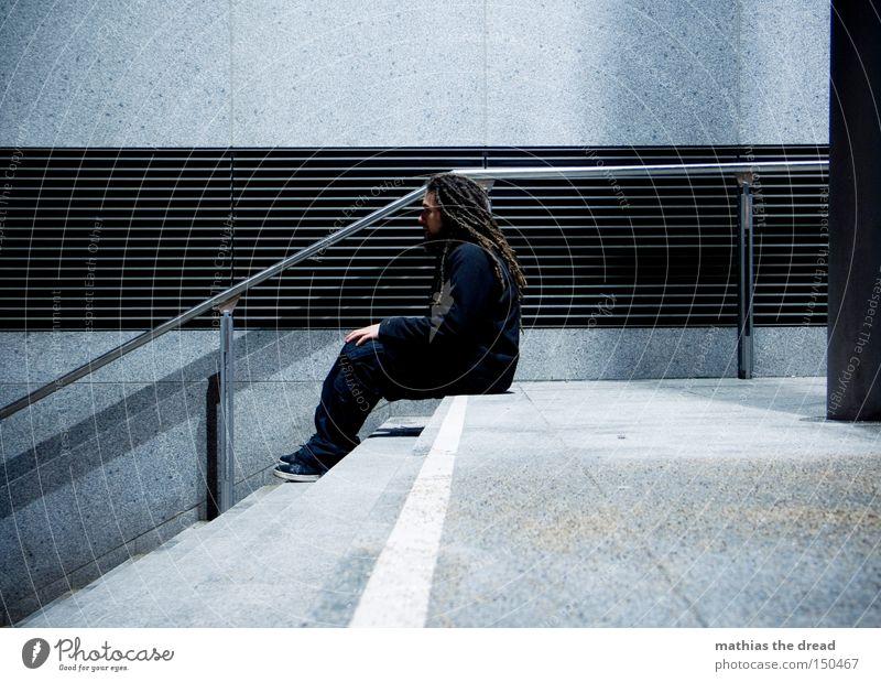 BLN 08   THE DARK SIDE OF LIFE III Einsamkeit Treppe dunkel sitzen Trauer Mann warten geheimnisvoll Beton Stadt Nacht schwarz Verkehrswege