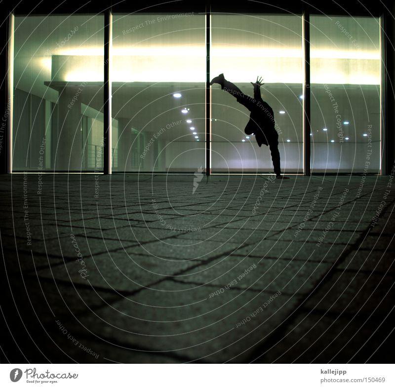 BLN08_einarmiger bandit Mann Mensch Bewegung Handstand Fitness Breakdancer Tanzen Tanzveranstaltung Fenster Nacht Beine Kopfstand Architektur Funsport