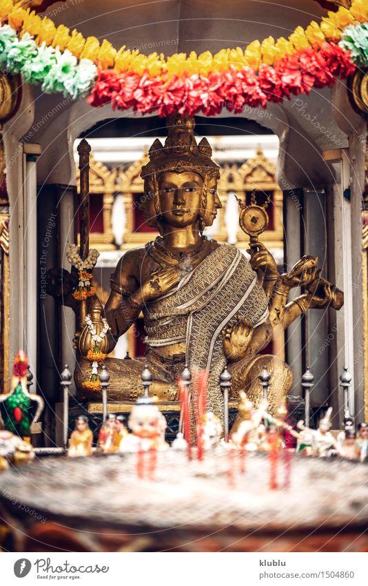 Phra Phrom-Statue in Bangkok eine Straße Himmel Architektur Religion & Glaube Kunst Tourismus Dekoration & Verzierung Kultur Asien Tradition Denkmal Gott Indien