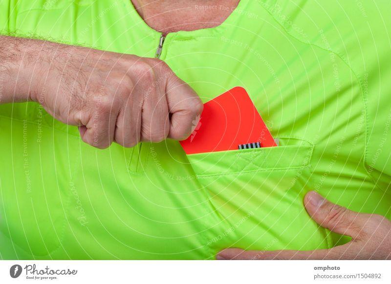 Mensch Mann grün Hand Erwachsene gelb Sport Fußball zeigen Hemd Halt international Kaukasier Uniform disziplinieren Schiedsrichter