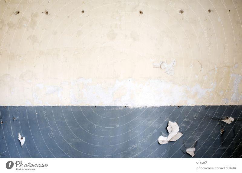 seitliches Raumende. alt Einsamkeit Farbe Wand Raum gehen Ordnung leer trist Vergänglichkeit verfallen Tapete Putz Örtlichkeit gestalten Symbole & Metaphern