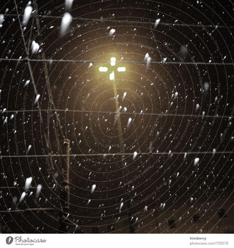 sub urban winter Winter Schnee Gebäude Verkehr Eisenbahn Elektrizität Laterne Verkehrswege Jahreszeiten Straßenbeleuchtung Straßenverkehr Oberleitung