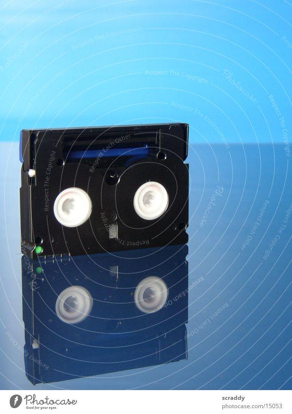 Mini DV Video Videokassette Reflexion & Spiegelung Entertainment blau Musikkassette