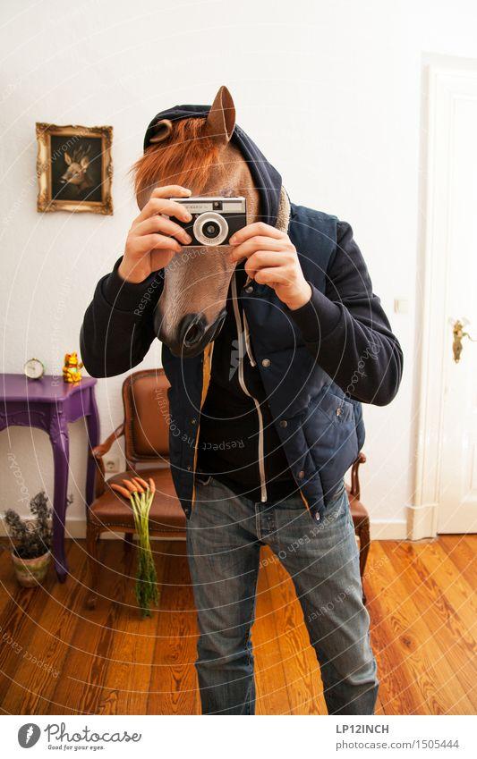 LP.HORSEMAN. XVI Karneval Halloween maskulin Mann Erwachsene 1 Mensch Tier Pferd Coolness retro Stadt verrückt bizarr Surrealismus Pferdekopf Maske Fotokamera