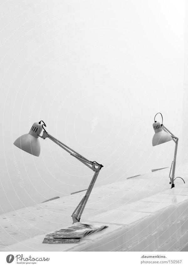 Pixar Studios Arbeit & Erwerbstätigkeit Büro Lampe Tisch Elektrizität Kabel Falte Zeichen Möbel Tuch