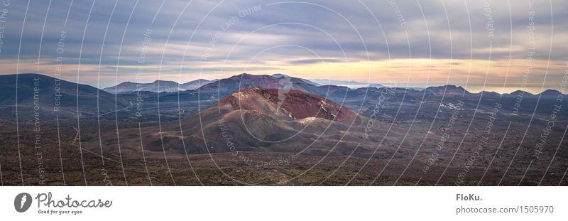 Feuerberge von Lanzarote Ferien & Urlaub & Reisen Landschaft Ferne Berge u. Gebirge Umwelt Freiheit Sand Felsen Horizont Tourismus Luft Erde wandern Insel