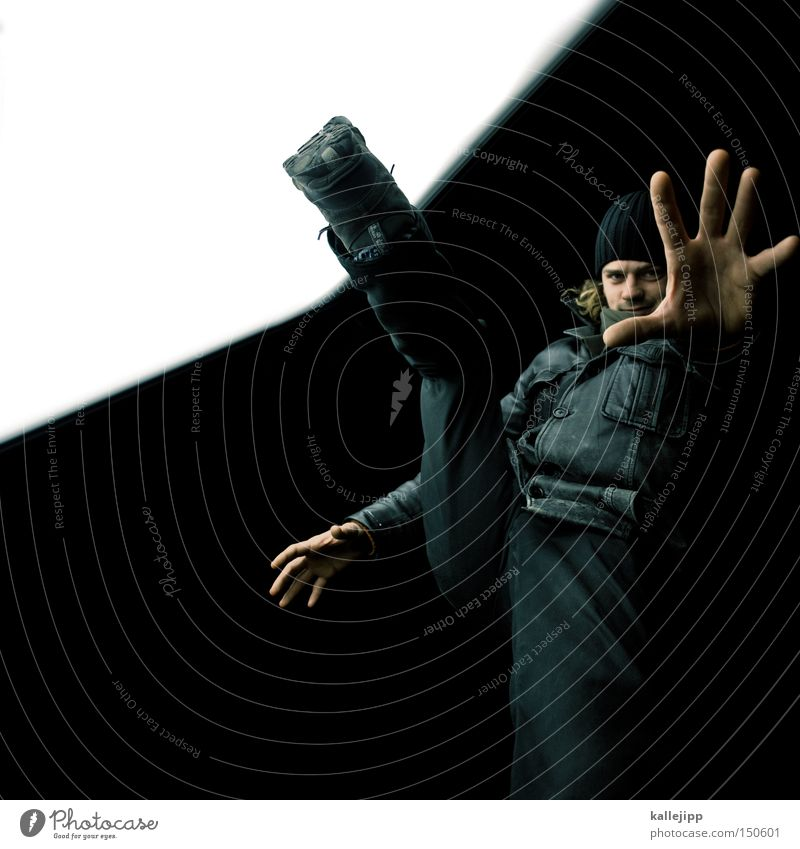 BLN08_lightview-lichtblick Mensch Mann Winter schwarz groß Jacke Hose Mütze Koloss Zwanziger Jahre Lederjacke Dreißiger Jahre