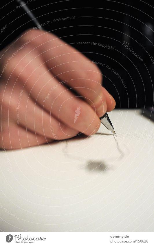 analog-paint Hand Finger Schreibstift Bleistift Papier Unschärfe Haut Mann Kunst Kreativität Fingernagel Makroaufnahme Nahaufnahme Kultur streichen zeichnen