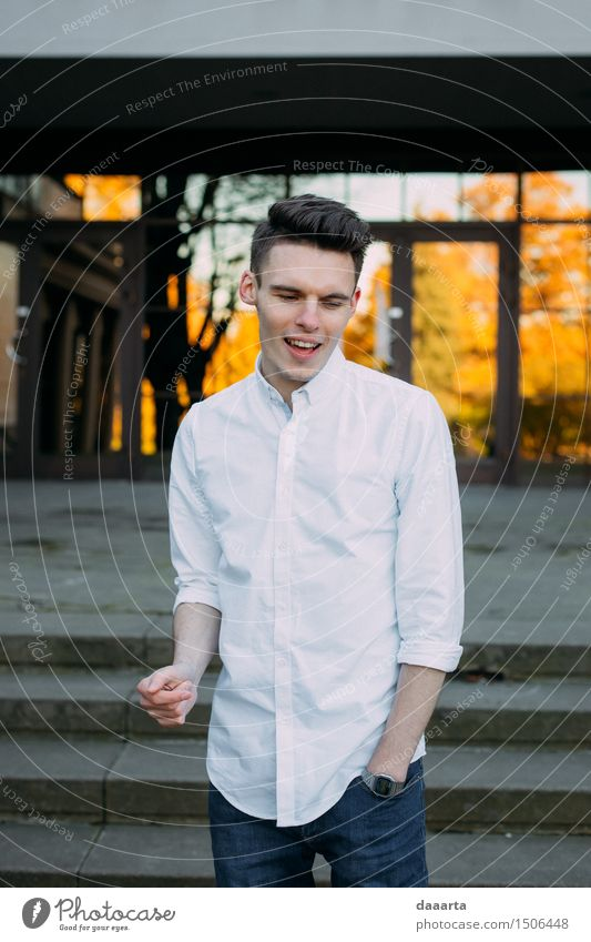 Jugendliche Erholung Junger Mann Freude Leben Gefühle Stil Spielen Lifestyle Feste & Feiern Freiheit Stimmung maskulin Freizeit & Hobby elegant Lächeln