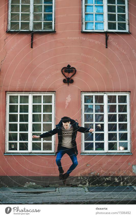 Glücklicher Sprung Ferien & Urlaub & Reisen Jugendliche Junger Mann Haus Freude Fenster Leben Gefühle Stil Lifestyle Freiheit Stimmung springen maskulin