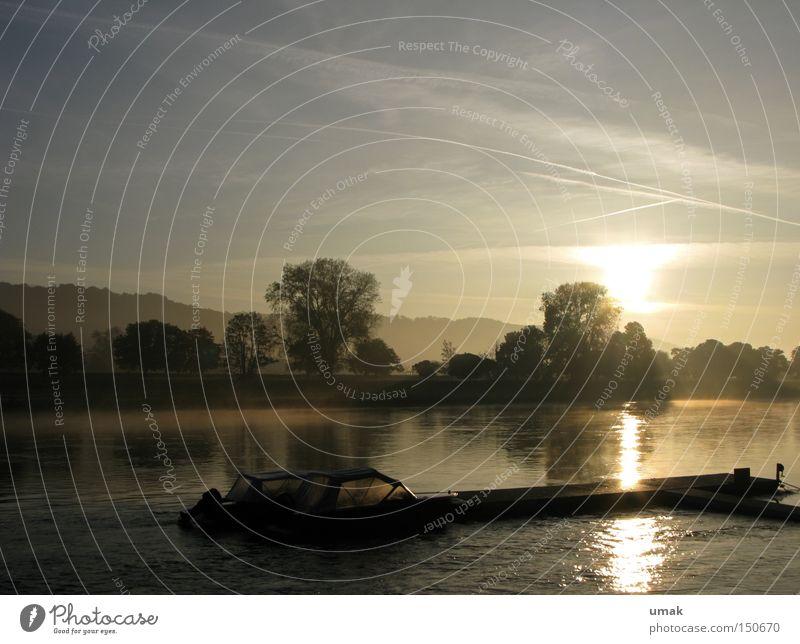 Morgens Elbe Morgendämmerung Sonnenaufgang Sonnenuntergang Fluss Abenddämmerung Anlegestelle Natur Landschaft Wasser Nebel Wasserfahrzeug Bach