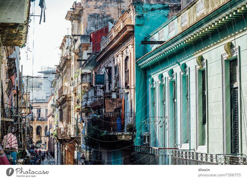 la habana Ferien & Urlaub & Reisen Tourismus Ferne Sightseeing Städtereise Havanna Kuba Mittelamerika Karibik Stadt Hauptstadt Hafenstadt Stadtzentrum Altstadt