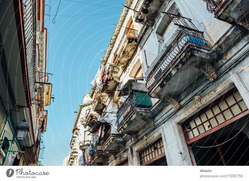 La Habana vieja Ferien & Urlaub & Reisen Tourismus Ferne Sightseeing Städtereise Himmel Wolkenloser Himmel Schönes Wetter Havanna Kuba Südamerika Karibik