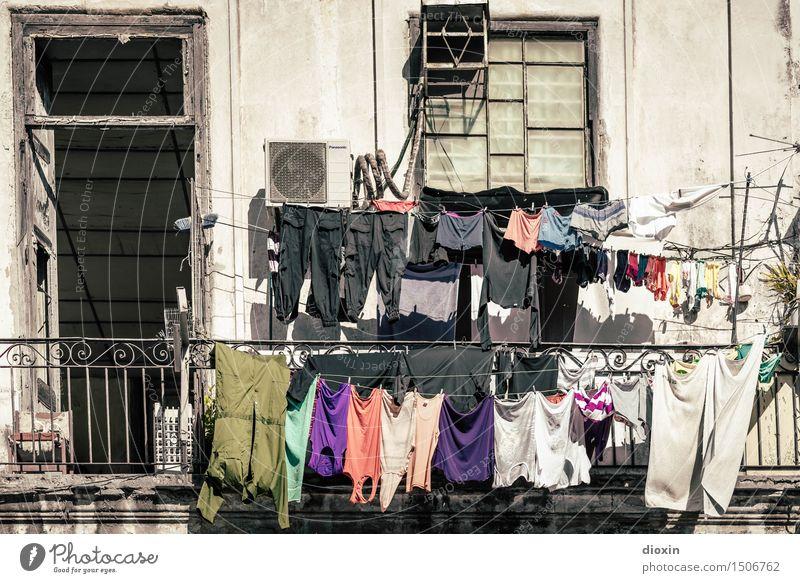 Abhängen Ferien & Urlaub & Reisen Tourismus Städtereise Sommer Sommerurlaub Sonne Häusliches Leben Wohnung Wäsche Wäscheleine Wäsche waschen Waschtag Havanna
