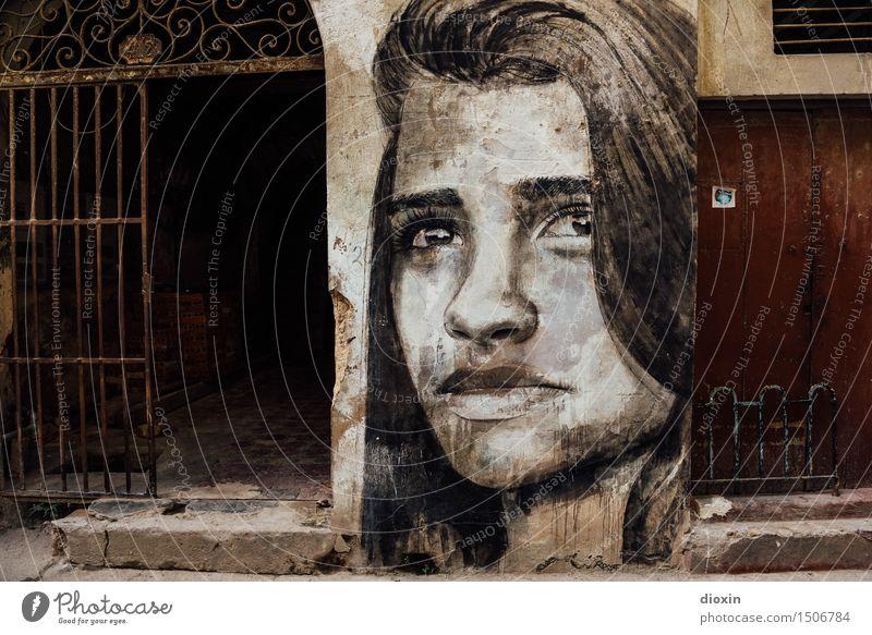 Havana Girl Mensch Frau Ferien & Urlaub & Reisen Jugendliche Stadt alt schön Junge Frau 18-30 Jahre Gesicht Erwachsene Wand feminin Mauer Kunst Kopf