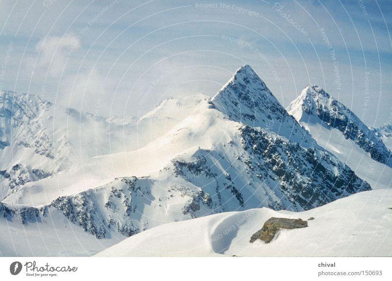 Stubaier Wildspitze blau Winter Wolken Schnee Berge u. Gebirge Eis Felsen Nebel Spitze Alpen Bergkamm Skitour