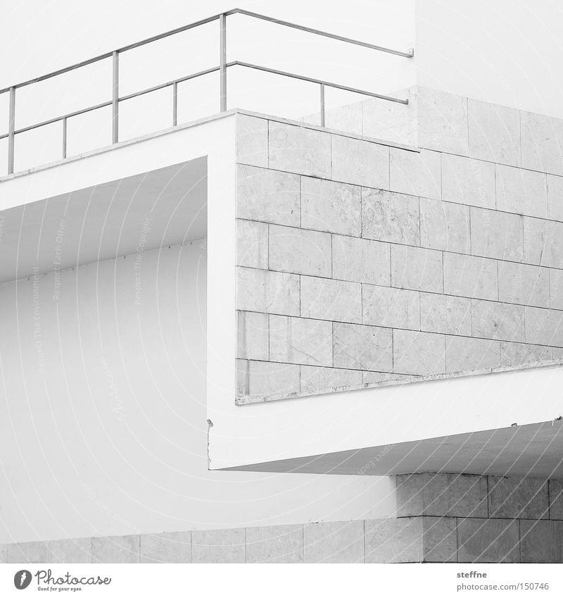 Buchstabe weiß Stadt Mauer Architektur Design modern Buchstaben Geländer Lateinisches Alphabet