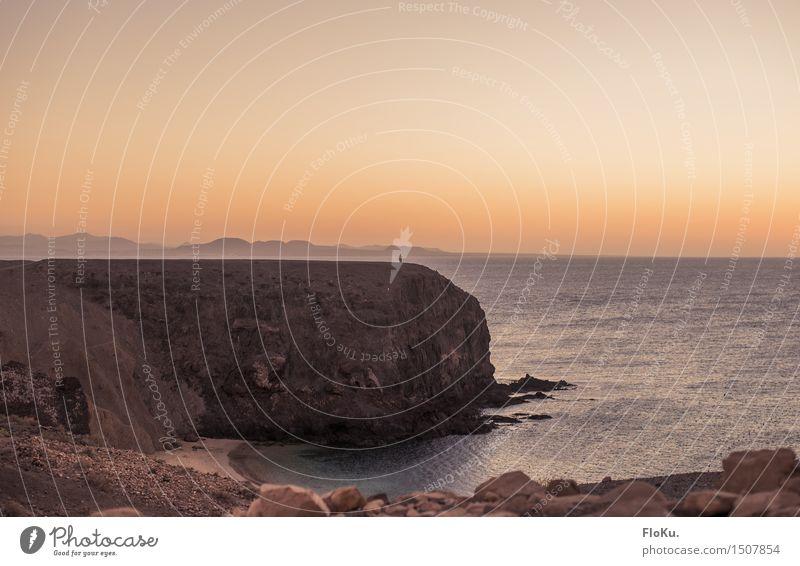 Zwei Kanareninseln im Abendlicht Ferien & Urlaub & Reisen Sommer Wasser Meer Landschaft Ferne Strand Umwelt Wärme Küste Freiheit Stimmung orange Tourismus Erde