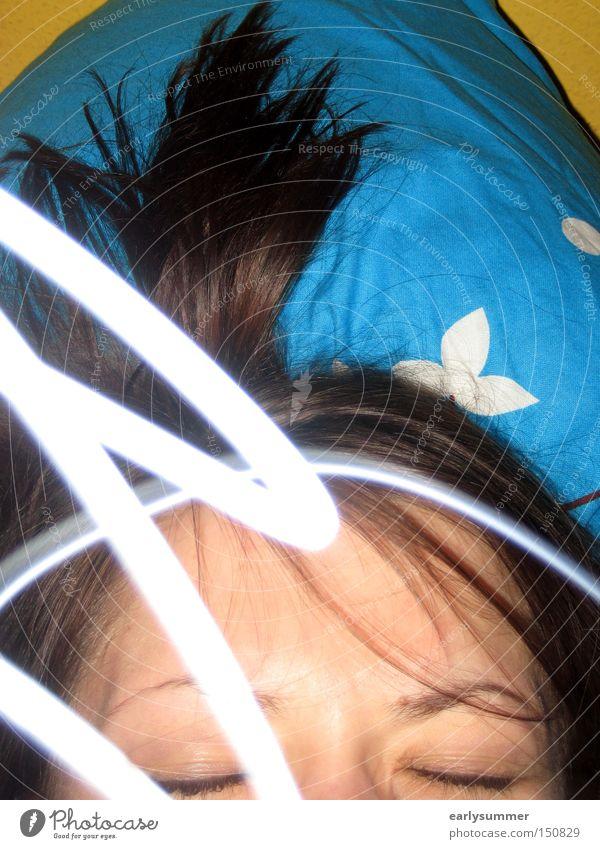 those dreams träumen Alptraum Frau mehrfarbig blau Licht Gesicht Auge Angst Geister u. Gespenster Verstand Nacht schlafen Panik Langzeitbelichtung Schlafzimmer