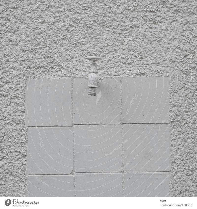 Albino Hahn alt weiß Farbe Wand Stein Design einfach trocken Fliesen u. Kacheln Putz graphisch Wasserhahn Farblosigkeit Schwarzweißfoto Wasserwirtschaft Sanitäranlagen