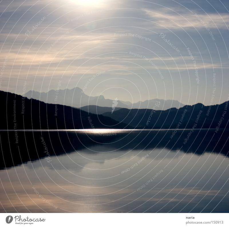 Abendstimmung am See Wasser Himmel blau Berge u. Gebirge bleich Abenddämmerung Gewässer