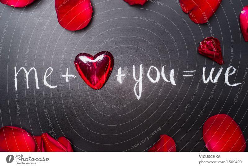 Valentines day mit roten Herzen und Rosenblättern Stil Design Dekoration & Verzierung Feste & Feiern Valentinstag Hochzeit Pflanze Liebe Plus Text