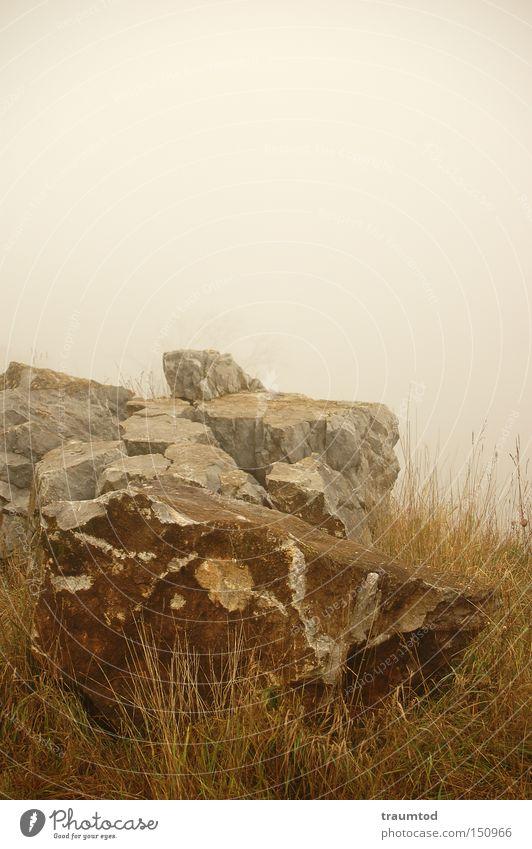 ...verdammt viel Nebel... Stein Bruchstück Steinbruch Wetzlar Himmel Herbst Felsen Einsamkeit Horizont Berge u. Gebirge Traurigkeit