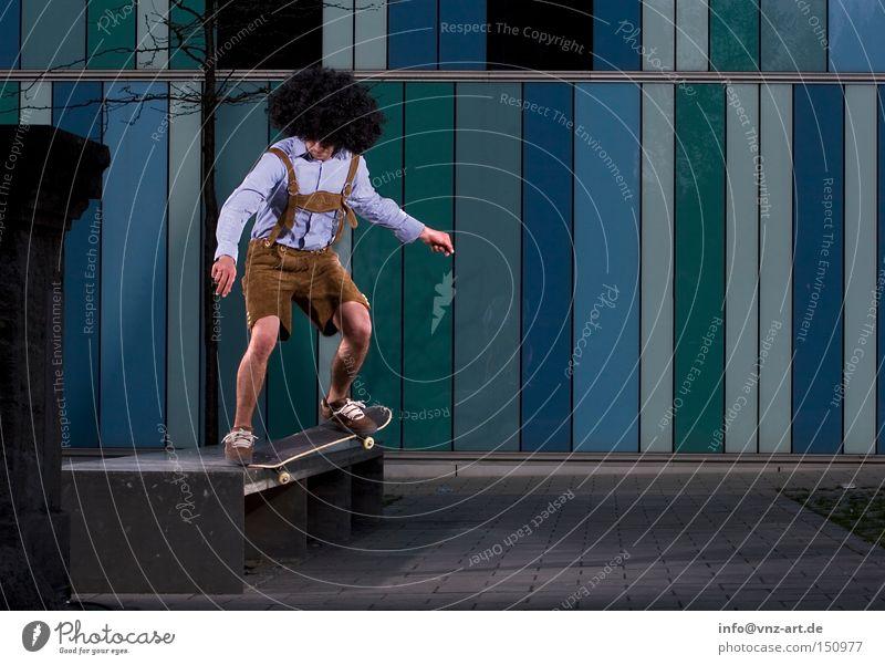 AfroSkater blau Sport Spielen Haare & Frisuren lustig Skateboarding Shorts Oktoberfest Karnevalskostüm Trick Lederhose Afro-Look Extremsport abgefahren